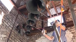 Магнитогорцы начали бить в колокола
