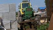 Выпавший из трактора подросток искал металлолом