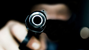Вооруженный мужчина совершил нападение на дом в Челябинской области