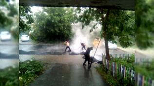 Челябинцев возмутила укладка асфальта в дождь