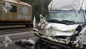 Два человека погибли при столкновении автобуса с грузовиком в Ашинском районе. Видео