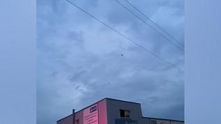 Вереницу вертолетов над городом сняли на видео жители ЧМЗ