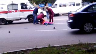 Легковушка сбила женщину возле школы в Магнитогорске
