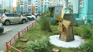 Житель Челябинска своими руками благоустроил целый двор