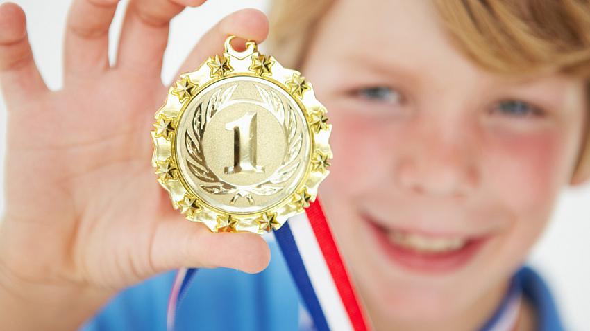 Утверждена премия школьникам за успехи в спорте и музыке