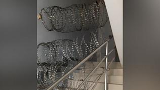 Собственники одного из офисных зданий Челябинска не могут поделить лестницу
