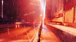 Сильный снегопад и ветер устроили в Челябинской области «День жестянщика»