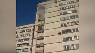 Горящее общежитие сняли на видео очевидцы