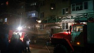 Пожар в жилом доме в Миассе попал на видео