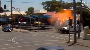 Видео взрыва грузовика и газовых баллонов появилось в сети. Погиб 24-летний водитель