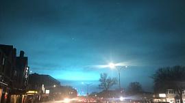 Ярко-бирюзовое небо шокировало очевидцев