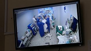 Челябинские кардиохирурги прооперировали недоношенных детей прямо в палате