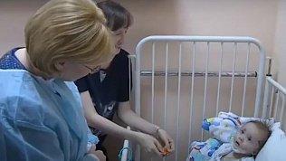 11-месячный Ваня Фокин переведен из реанимации в обычную палату