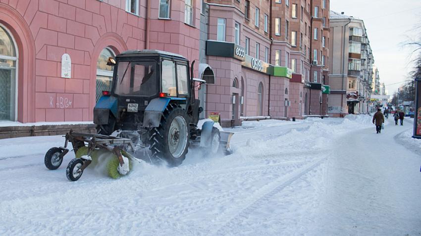 Челябинские власти недовольны работой подрядчиков по уборке снега