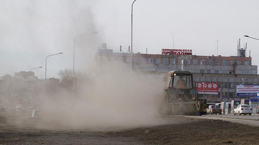 Министр экологии потребовал от челябинской мэрии убрать пыль с дорог