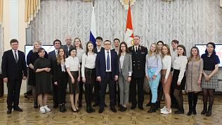 Алексей Текслер наградил лауреатов конкурса социальной рекламы