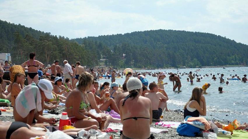 Содержание бесплатного пляжа на озере Тургояк взяли на себя власти Миасса