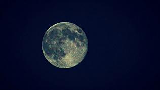 Сближение Луны с Юпитером увидят южноуральцы в мае