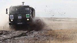 Российские военные приняли участие в пустынном ралли