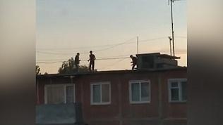 В Троицке подростки занялись восточными единоборствами на крыше