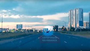 Лось перебежал дорогу автомобилистам в микрорайоне Челябинска