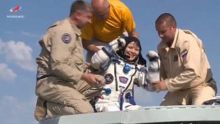 После почти 7-месячного полета экипаж МКС вернулся на Землю