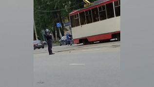 Предмет, похожий на гранату, обнаружили на трамвайных путях улицы Горького