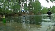 Пруд в парке Челябинска очистили от водорослей и мусора