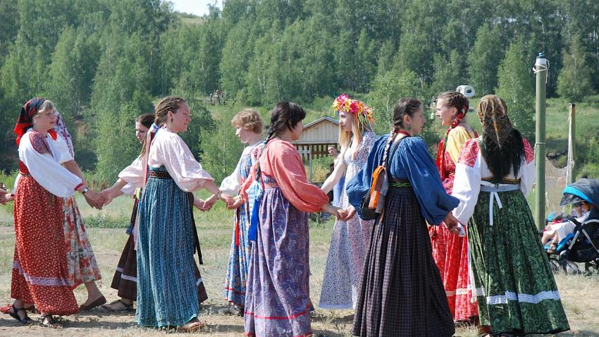 Музыка на воде, прыжки с парашютом, этнографический фестиваль. Выходные в регионе будут яркими