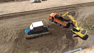 В Магнитогорске припаркованная ГАЗель мешает строительству дороги