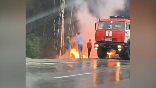 В ДТП на М5 фура сгорела дотла. ВИДЕО