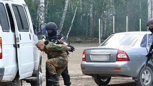 В детском лагере под Челябинском задержали опасных преступников