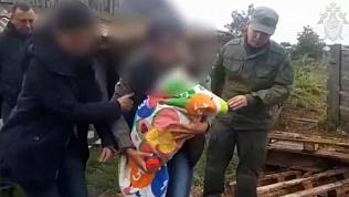 Мать похоронила годовалого сына на садовом участке. Видео
