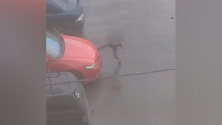 Дети портят машины во дворах Челябинска