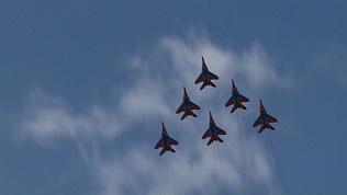 «Стрижи» устроили авиационное шоу в Челябинске