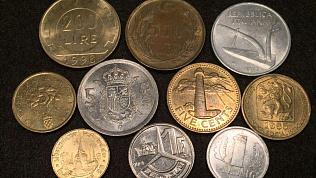 Челябинцам отказывают менять иностранную мелочь в банках