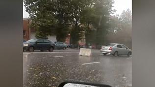 Непогода устроила шоу на дорогах Челябинска. ВИДЕО