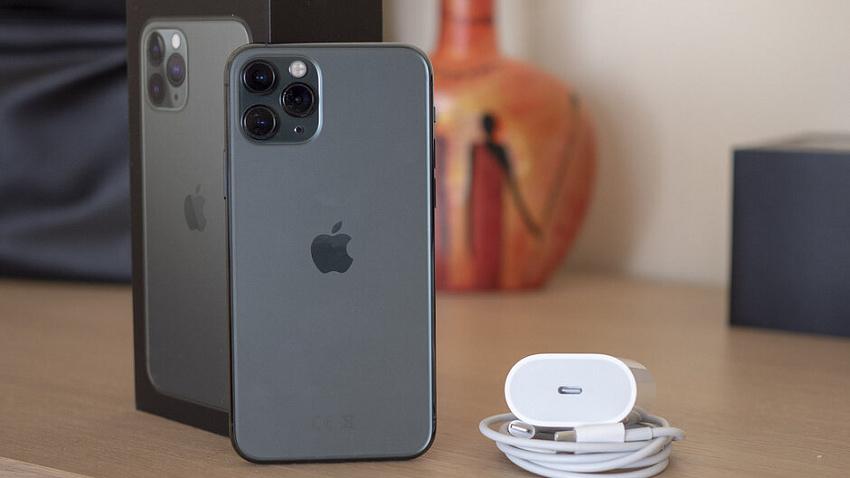 Челябинцы за три дня раскупили новые iPhone стоимостью от 59 тысяч рублей