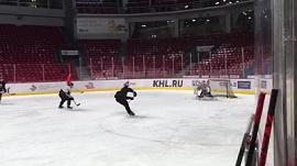 Фанаты хоккея сняли первую тренировку «Трактора» с новым тренером