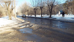Грязь и каша под ногами: почему нельзя отказаться от реагентов на дорогах Челябинска