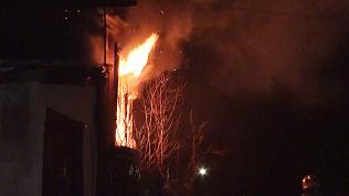 Пожар в Златоусте: частный дом выгорел изнутри