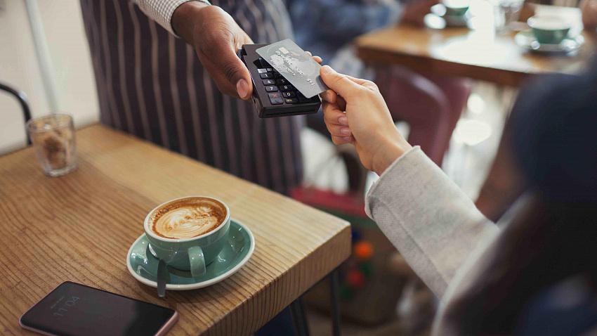Чаевые в электронном виде: в чем их преимущества и особенности