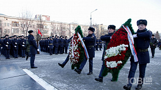 Они боролись за Родину: в День Героев Отечества в Челябинске возложили памятные венки и цветы