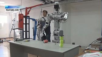 Южноуральские роботы снялись в американском клипе