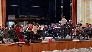 Челябинский симфонический оркестр готовится к предновогоднему концерту