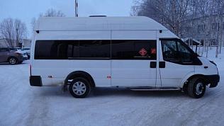 Автобус с иностранными гражданами задержали правоохранители в Челябинской области