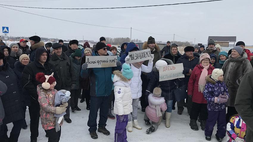 Министерство экологии проверит жалобы жителей поселка «Журавли» на запах куриного помета