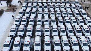 Парад машин с мигалками на Театральной площади