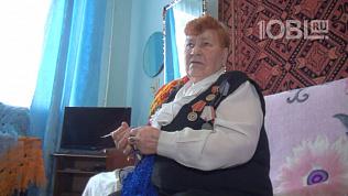 «Вяжу наощупь»: пенсионерка из Троицка подарила тепло блокадникам