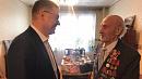 Первую медаль к 75-летию Победы ветерану вручил Алексей Текслер